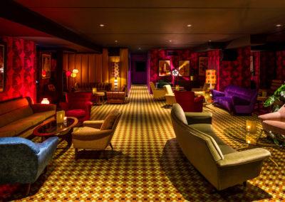Bars, Restaurants & Casinos 15